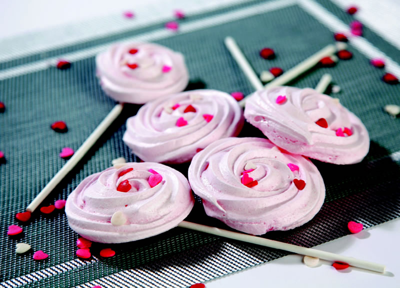 GoBake | Raspberry Meringue Rosettes Recipe